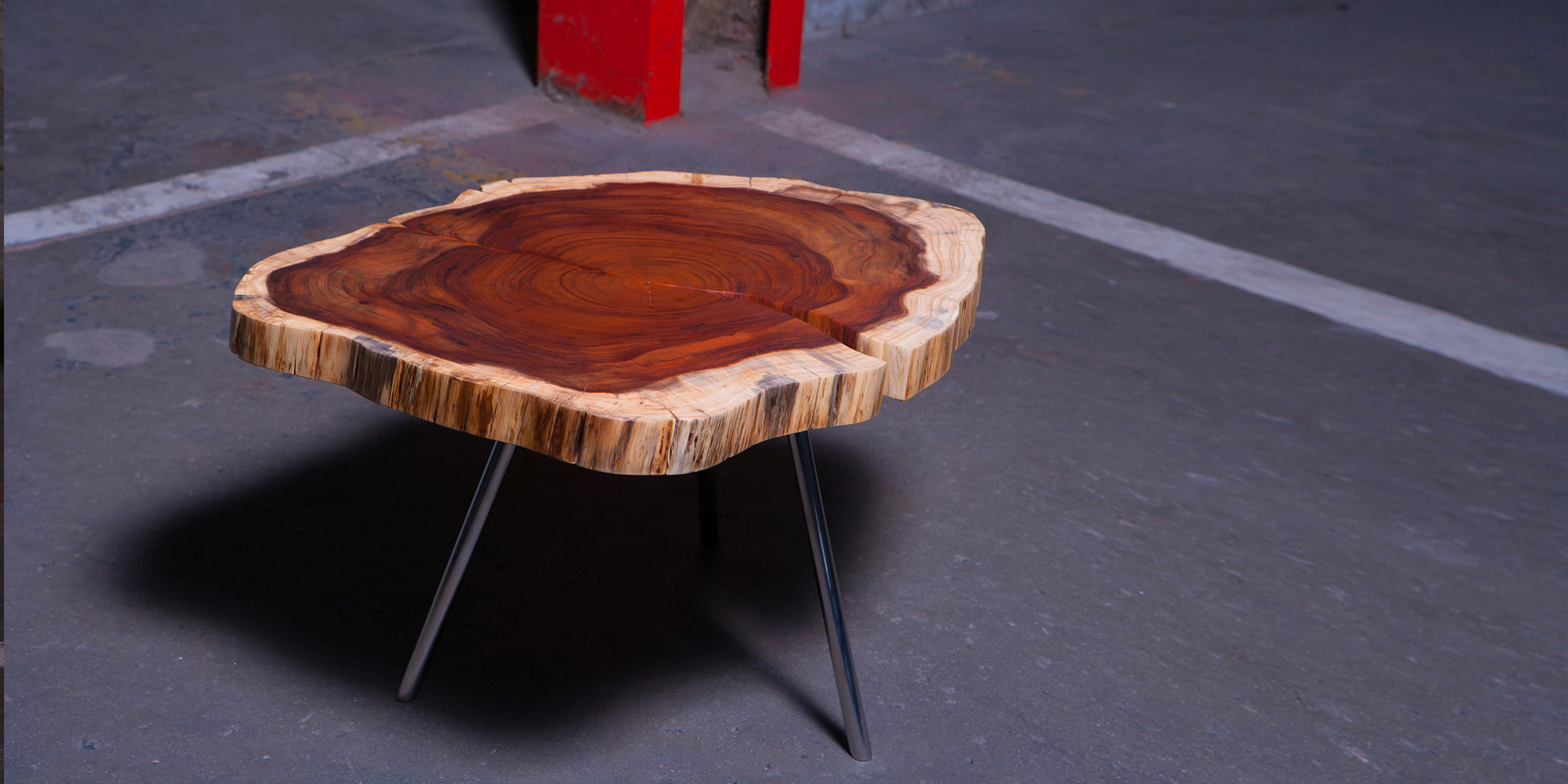 fbs - chop table, 550 dia x 450 h, brushed stinaless steel with blackwood top REV 1