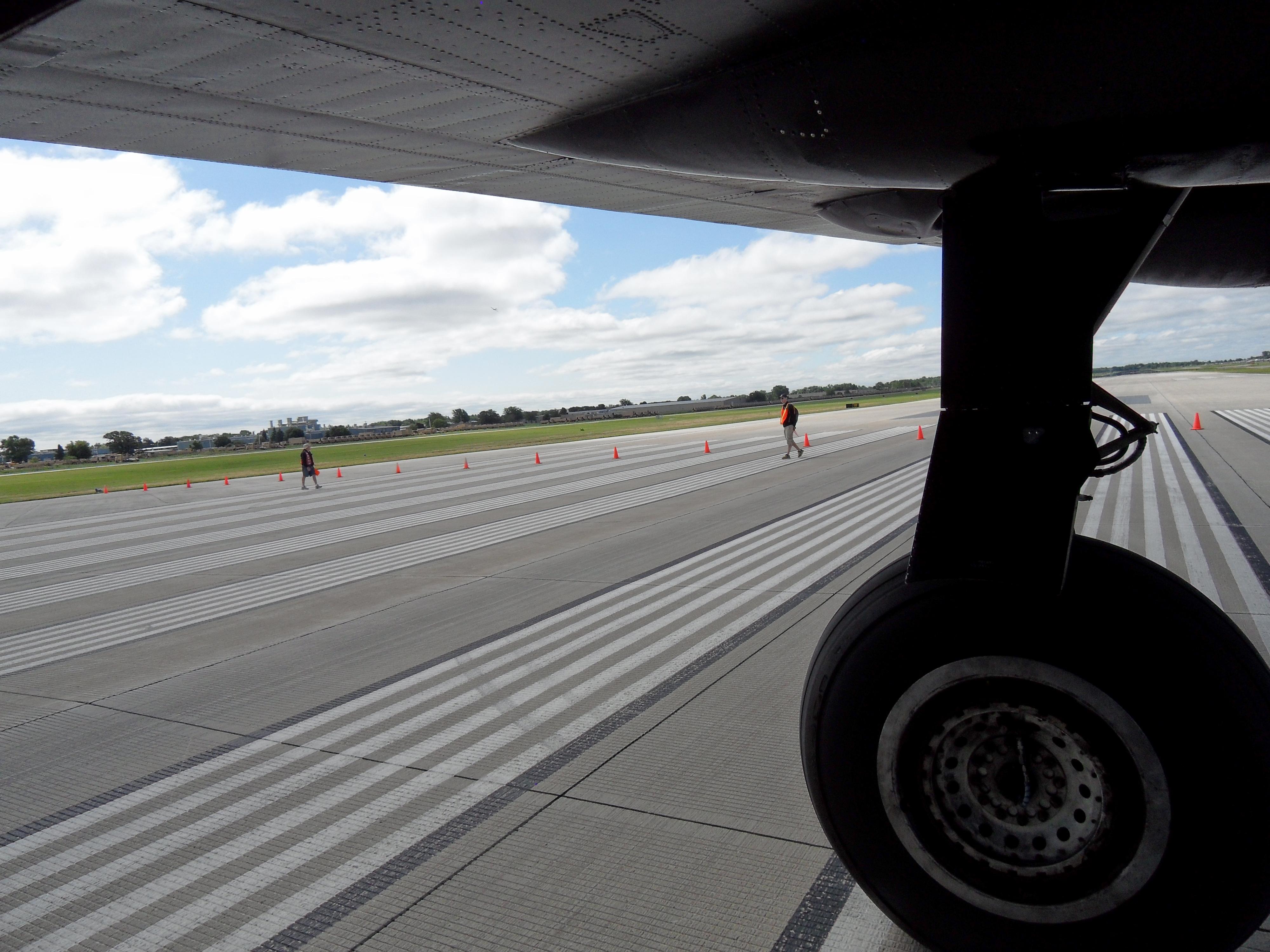 OSH DL Arrival  023.JPG