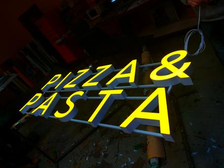 Интерьерая вывеска Pizza&Pasta