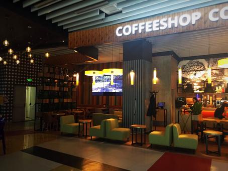 Изготовление и монтаж компанией Абдикомв Москве интерьерного рекламы для сети кофеен