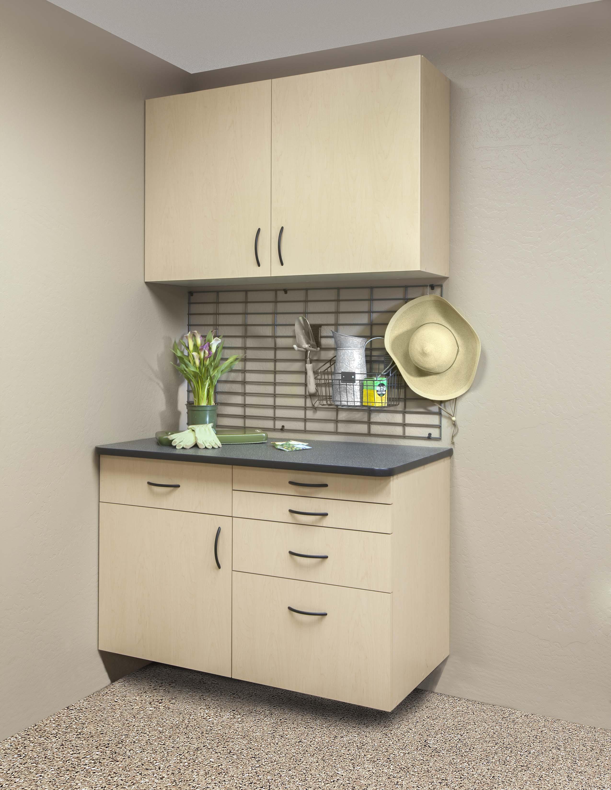 Maple Workbench-Ebony Counter