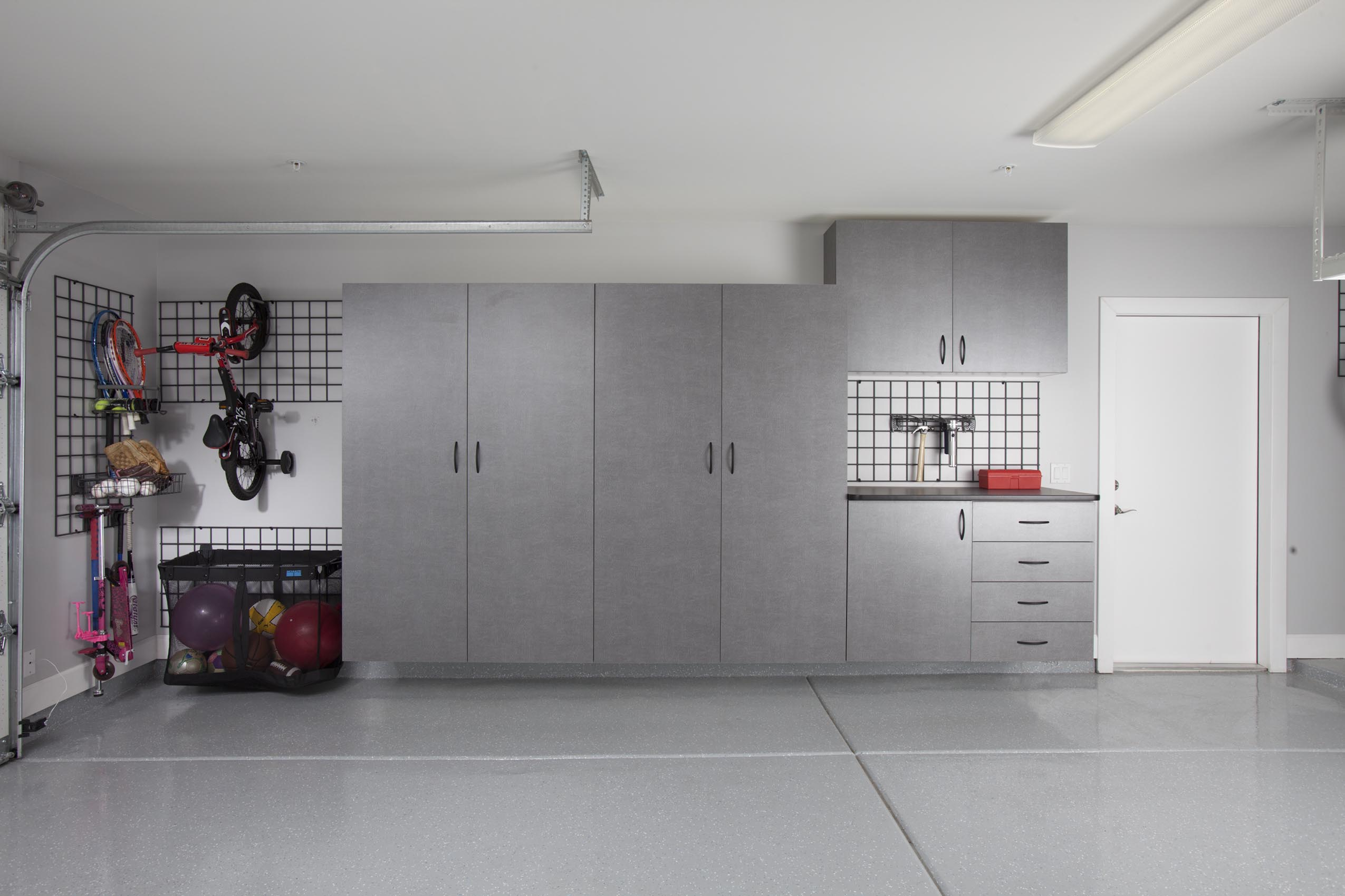 Pewter Garage with Workbench