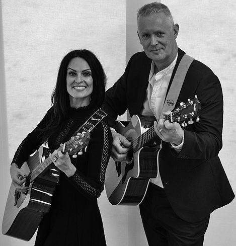 String Collective Acoustic Duo Matt & Jolene