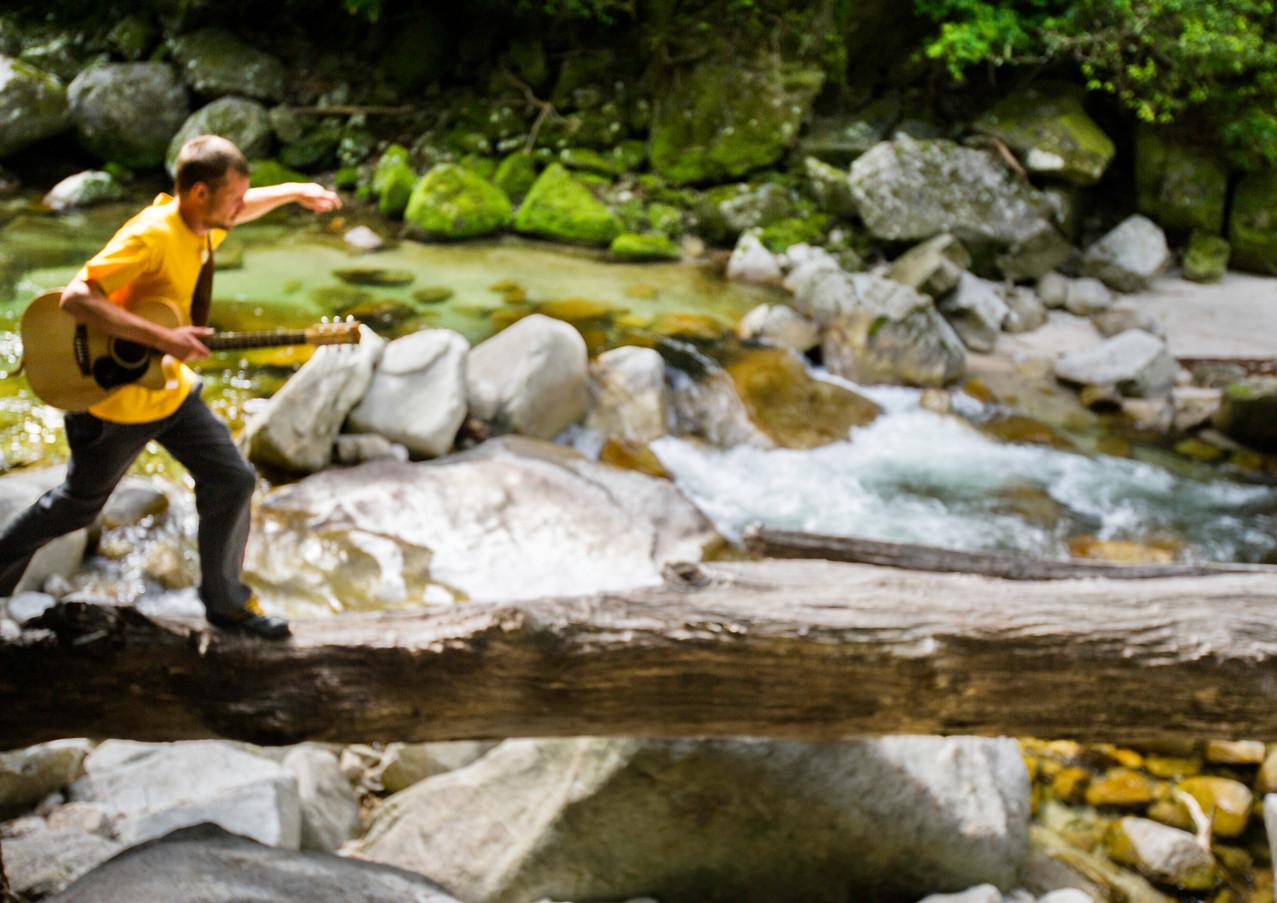 Travelling Musician - Paul Wennerholm