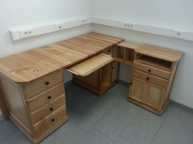 pisarniska-miza