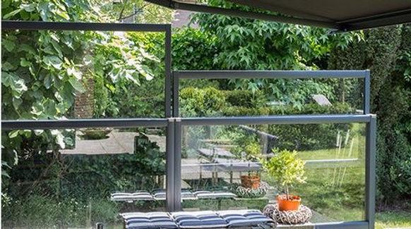 windschutz terrasse glas hoehenverstellb