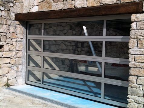 sektionaltore mit glasfuellung.jpg