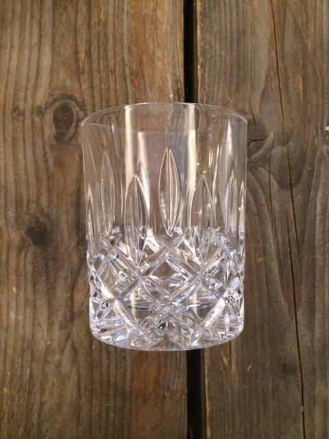 Whisky-Tumbler oder Wasserglas