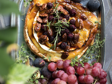 Baked Brie with Blackberry Compote and Candied Pecans