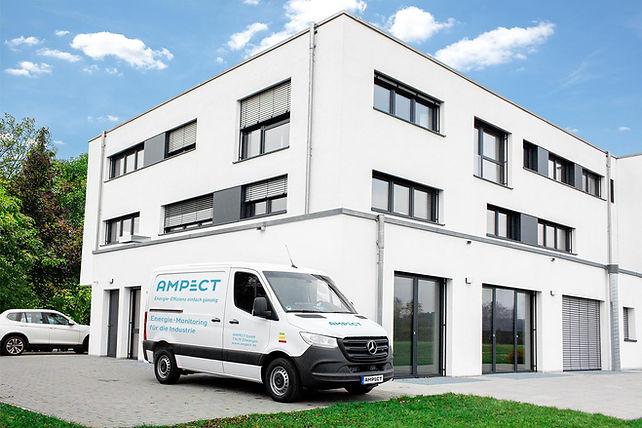 Ampect_Gebäude-mit-Auto_plus-Beklebung_1