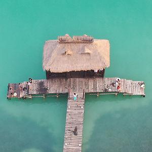 embarcadero de la isla de pájaros en campeche
