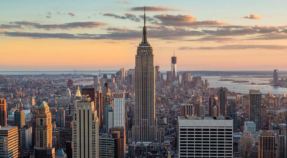 Foto de NY  con el Empire State Building en primer plano.
