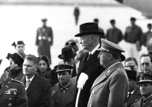 Franco y Eisenhower durante la visita del presidente estadounidense a Madrid.