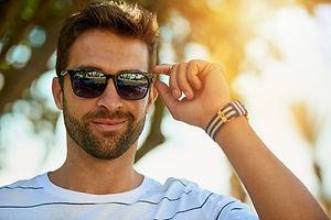 sunglasses-man-5c2fb65e46e0fb0001739e02.