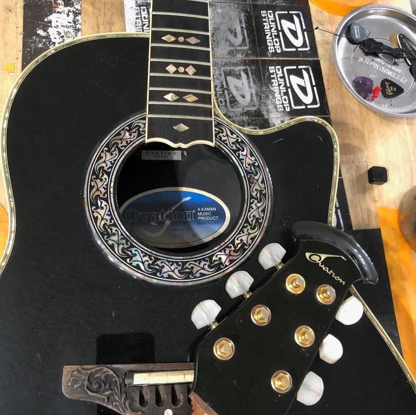 Ovation 1869 LRC Guitars