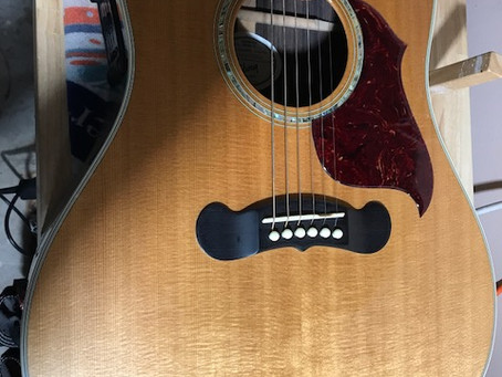 Gibson Songwriter Sings the Blues