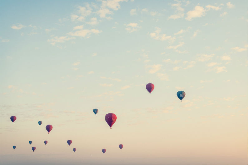 Calm picture of balloons