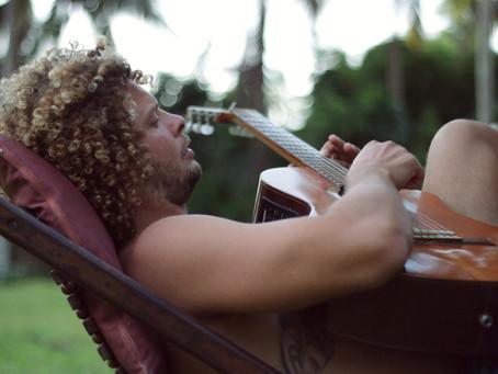 Manoel Tosto creates music to enjoy by the ocean