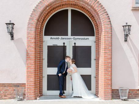 Anna und Lukas - Hochzeit auf einem Schulhof im Saarland