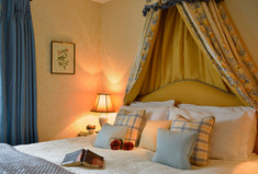 hot-tub-Coleridge a luxury dog friendly cottage with private hot tub, enclosed garden in rural somerset