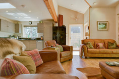 Greenway, a luxury cottage in rural somerset. Very dog friendly, private covered hot tub, enclosed gardens Nr Taunton Somerset. 3 hours from London