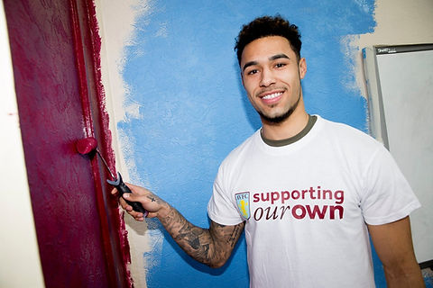 Andre Green paints Saathi House in Aston