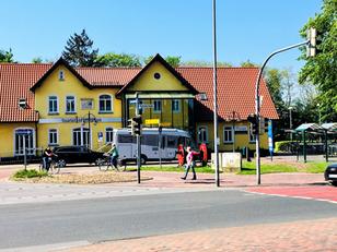 Wie soll der Bahnhofsplatz gestaltet werden? Stadtteilspaziergang am 17. Mai