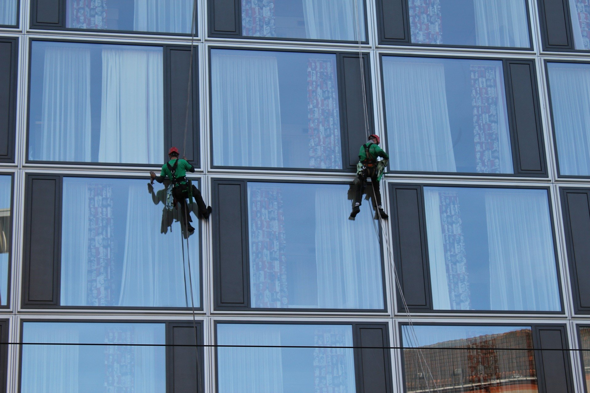 building-cleaner-4264144_1920