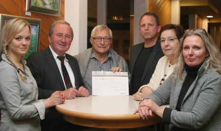 Luise Brandner (stv. Vorsitzende), MdB Hans-Werner Kammer, Rolf Bastrop, René Fabian (Vorstand), Heide Bastrop (stv. Vorsitzende) und Melanie Sudholz (Vorsitzende). Foto: Privat