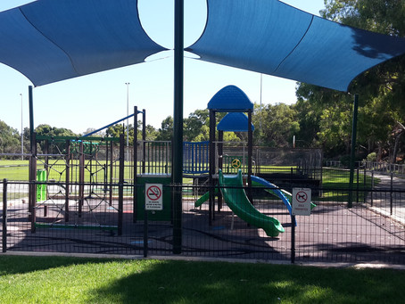囲いのあるプレイグラウンド ⑧Mount Claremont Oval, Mount Claremont