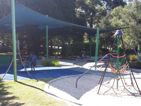 囲いのあるプレイグラウンド ①Mueller Park,Subiaco
