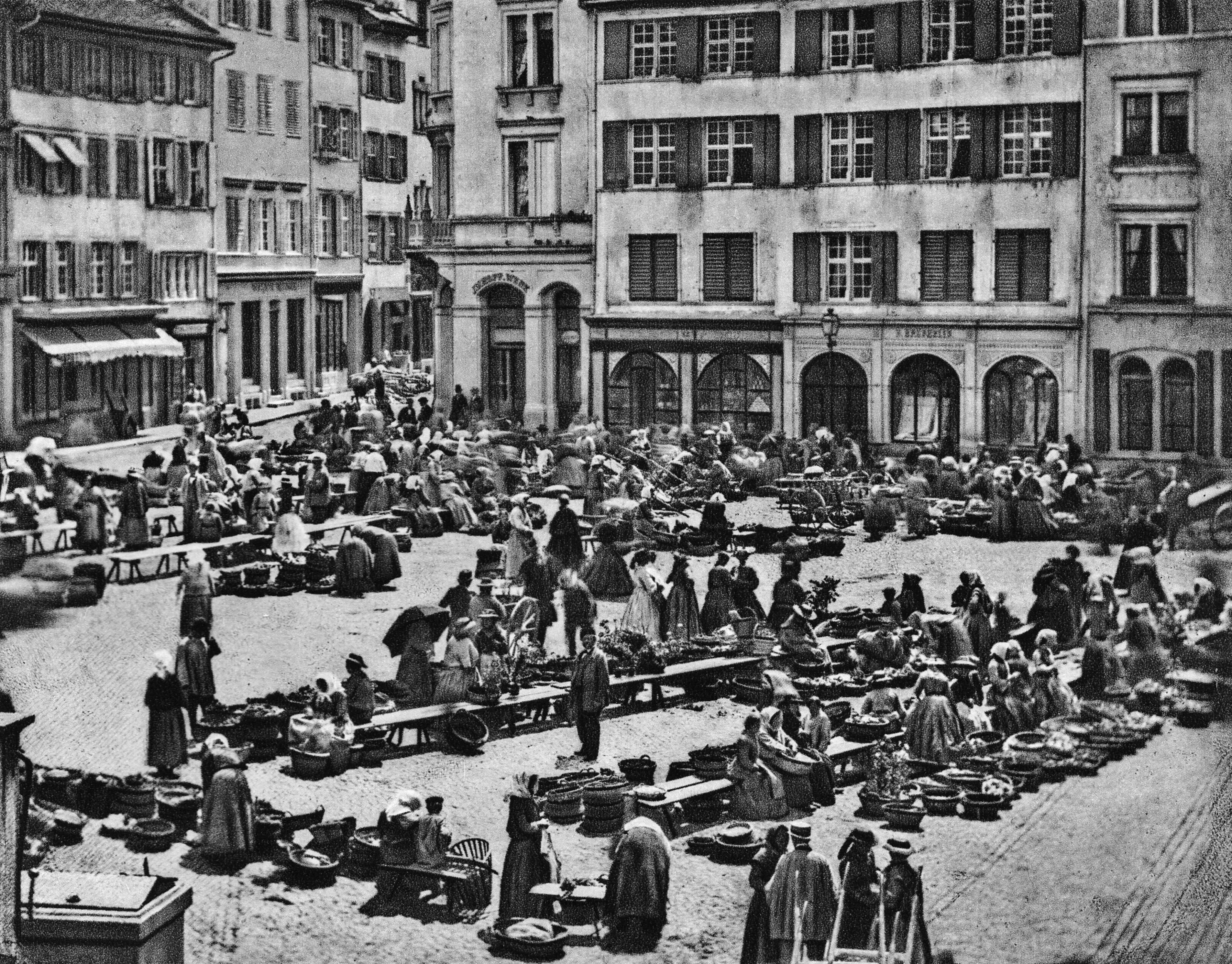 Auf dem Marktplatz um 1868