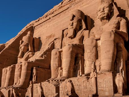Abu Simbel: al cospetto del tempio di Ramses II