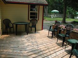 Cottage #6 Deck