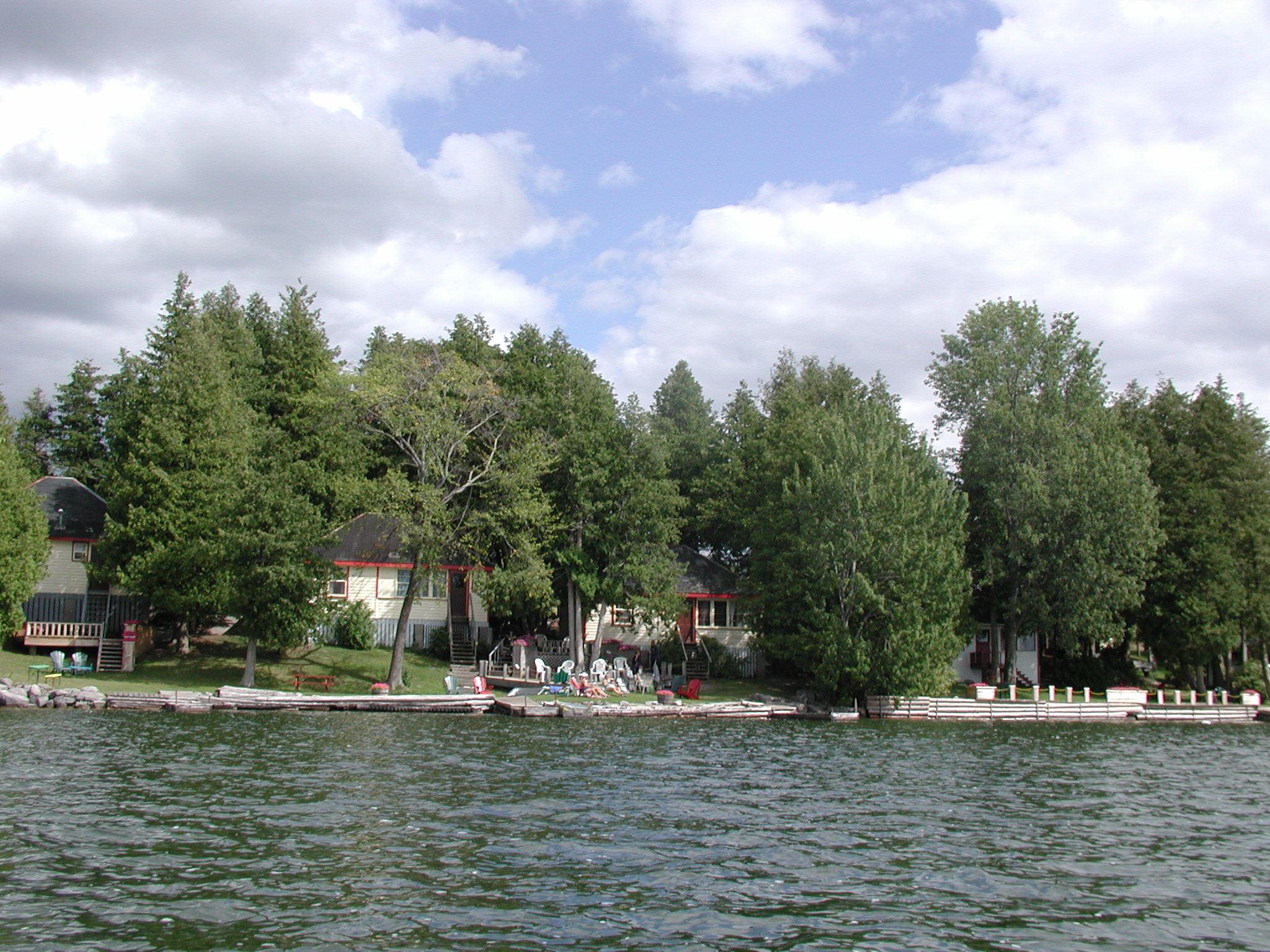 Redwing Cottages on Chemong Lake