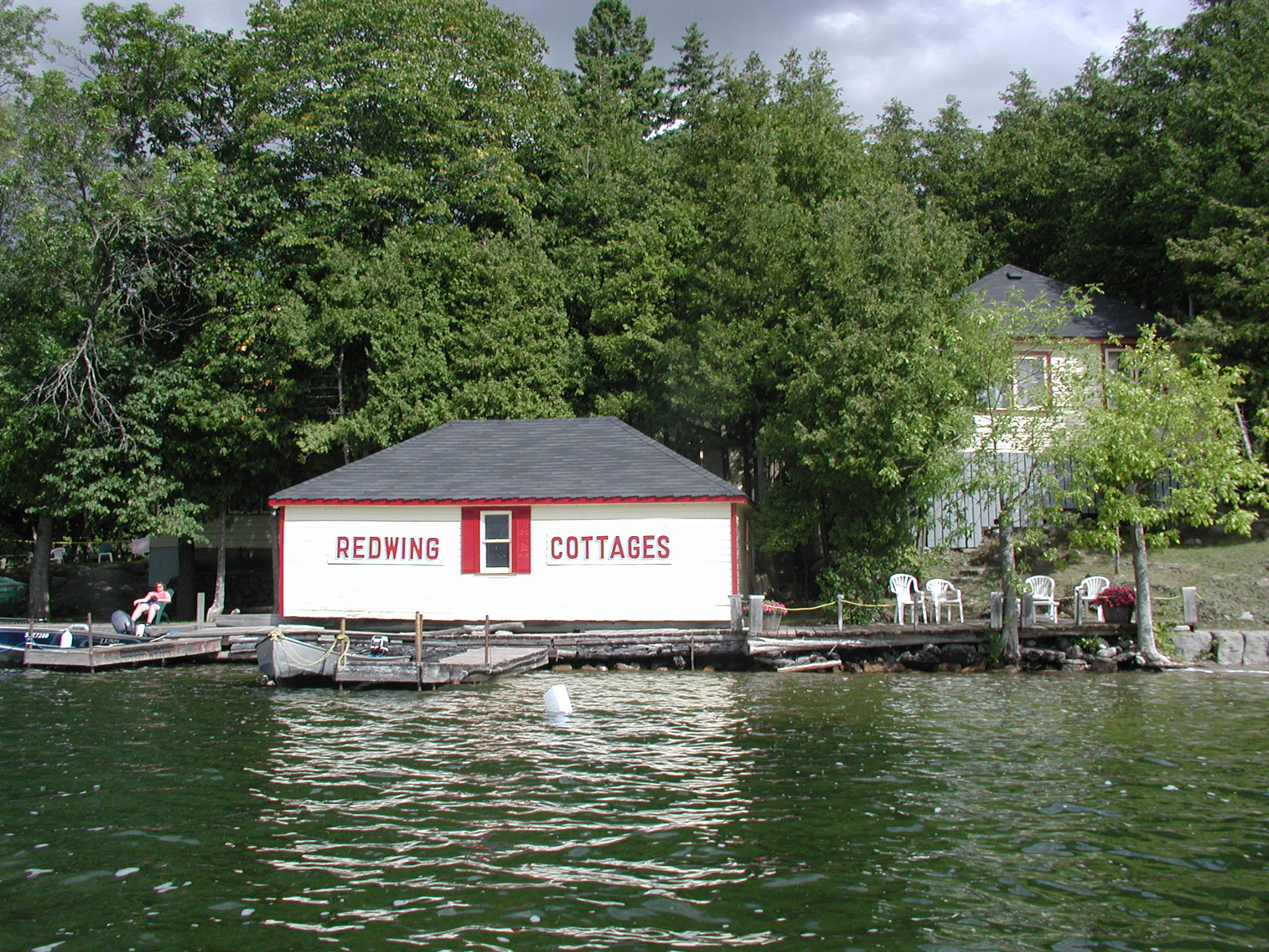 Redwing Cottages Boathouse
