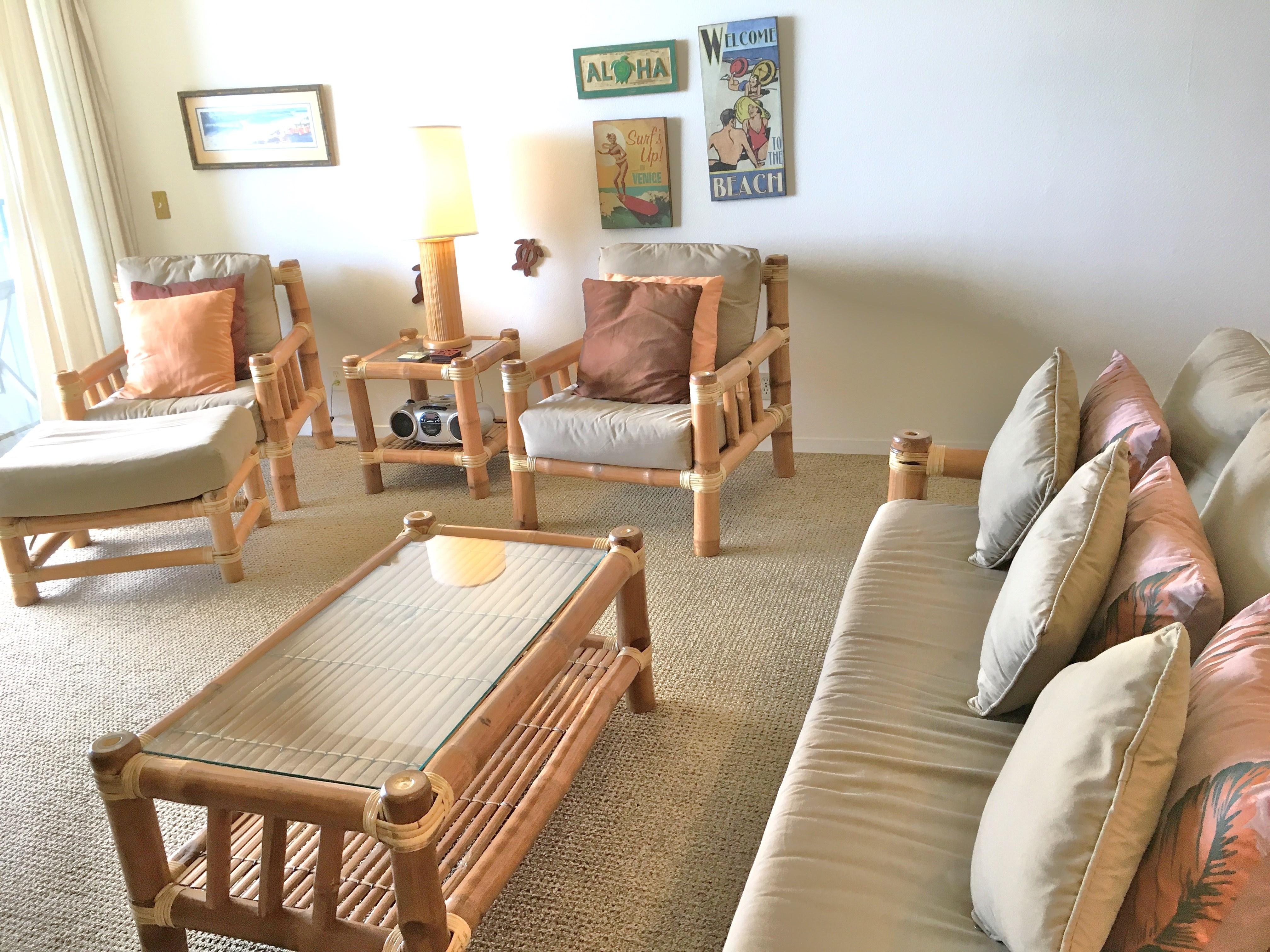 Living Room of Wailua Bay View 206