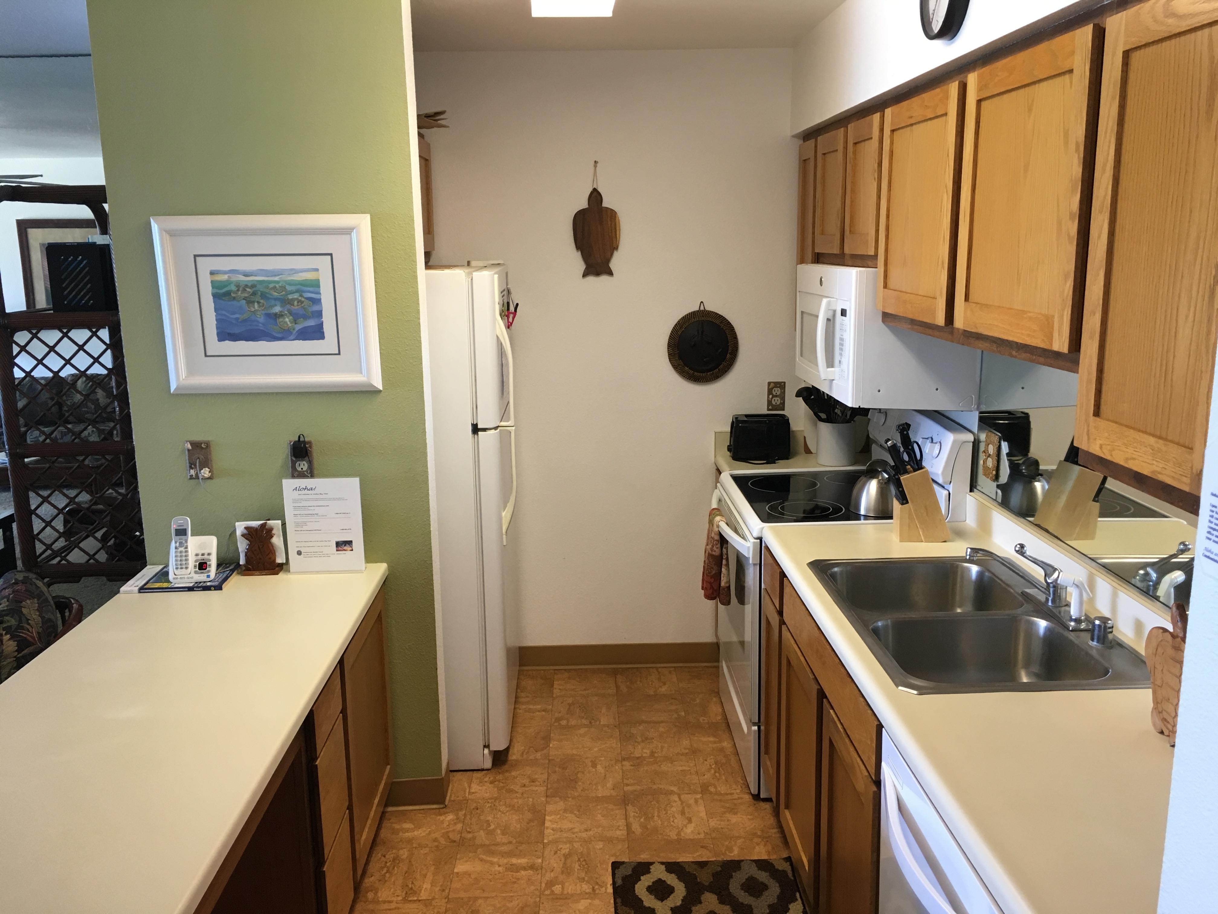 Full kitchen at Wailua Bay View condo 305