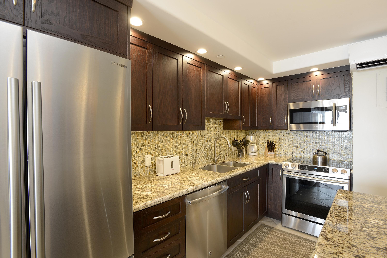 Kitchen - Condo 614A, 614C