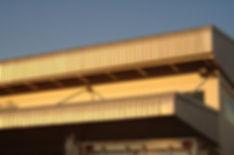 ผลงานติดตั้ง หลังคาโค้งเมทัลชีท หลังคากันสาด หลังคาย้ำโค้ง หรือโค้งปลายแผ่น - ซีเจ