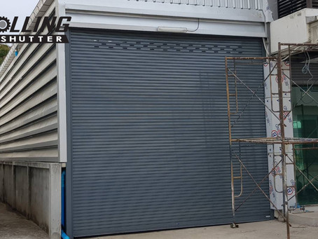 ผลงานติดตั้งประตูม้วนระบบมอเตอร์ หน่วยงานบริษัท COSMETICS Labfac Co., Ltd.
