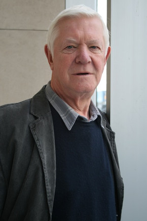 director Leslie Woodhead