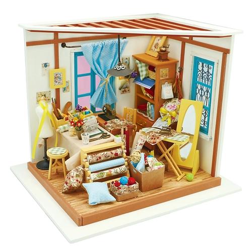 Lisa's Tailor  DIY Miniature Dollhouse Kit