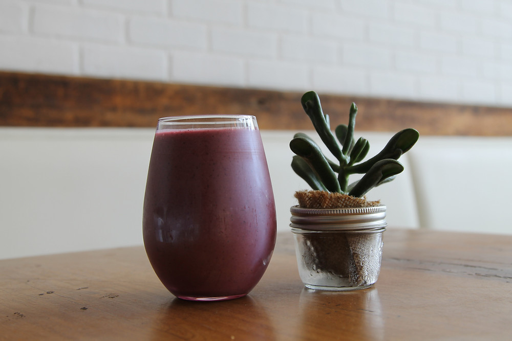 A glass of fruit smoothie