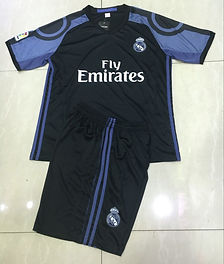 REAL MADRID BLACK 16.jpg