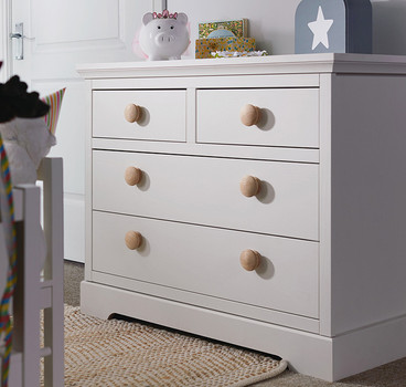 Kindred 4 drawer classic chest
