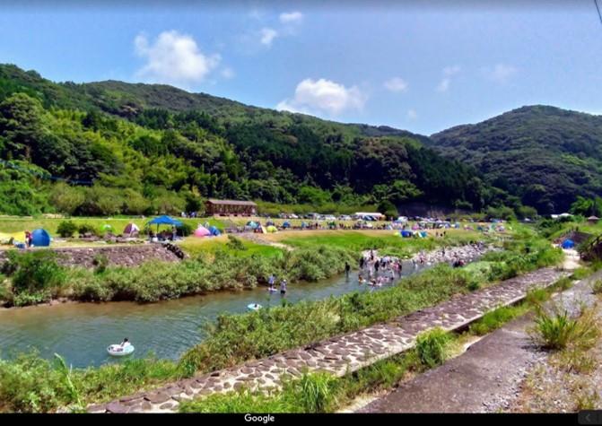 そとめ神浦川河川公園そば