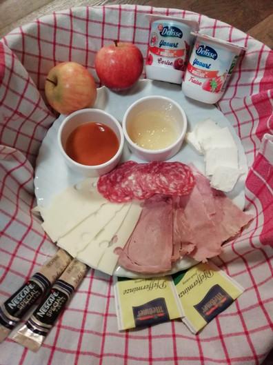Breakfast 2a.jpg