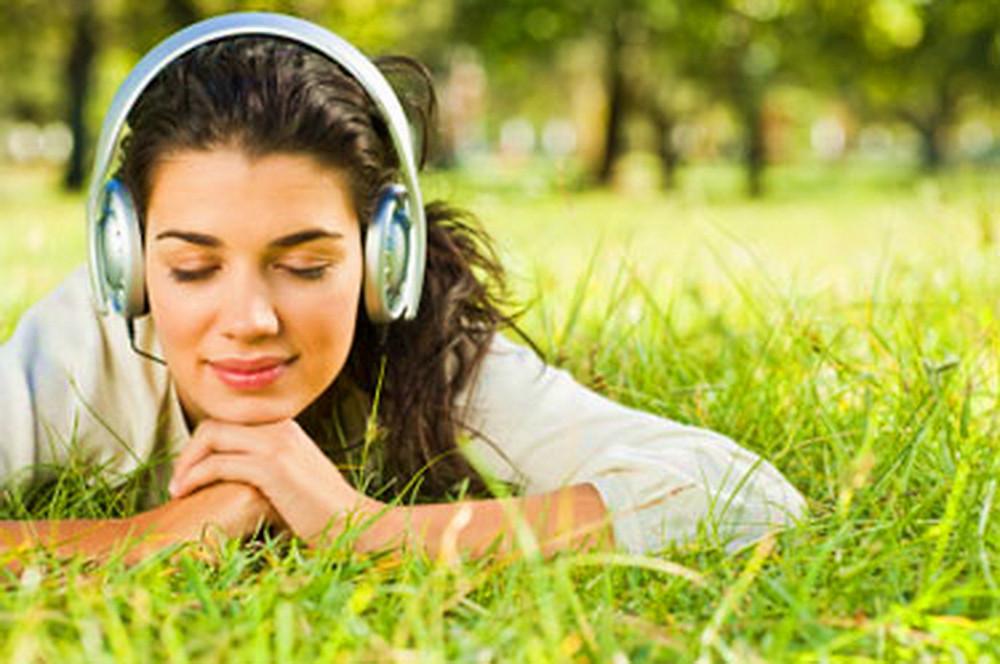 ouvindo musica.jpg
