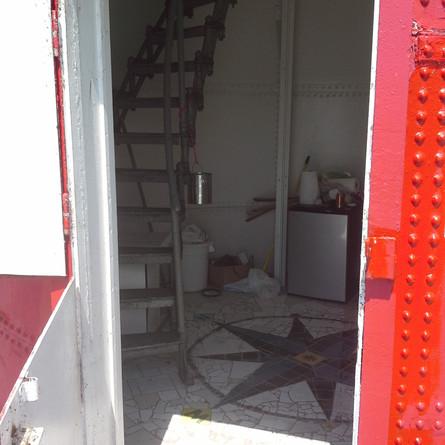 Lighhouse door open